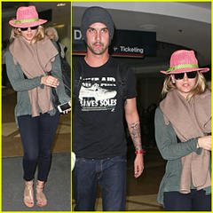 kaley cuoco & ryan sweeting: lax arrival after bahamas vacay!